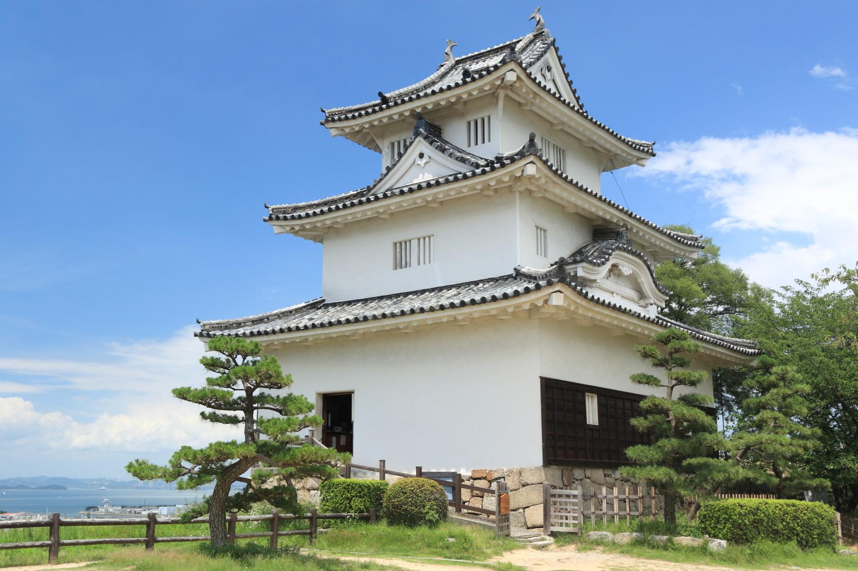 丸亀城の漆喰