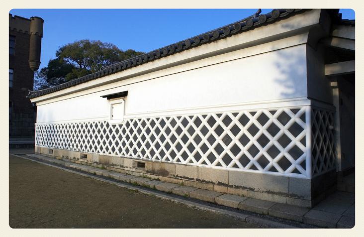 漆喰なまこ壁